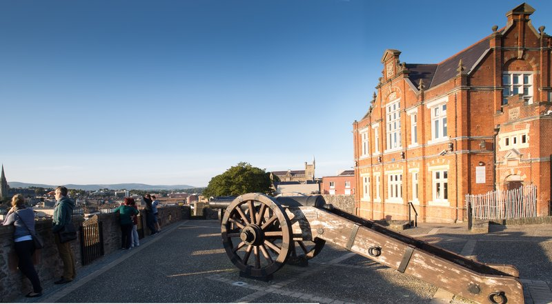 Holiday Inn Express Derry Londonderry-Visit the 17th Century City Walls<br/>Image from Leonardo