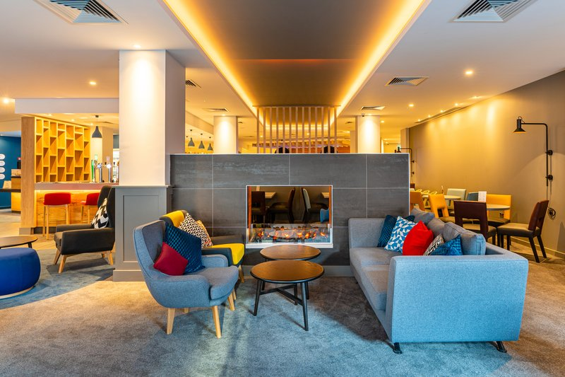 Holiday Inn Express Derry Londonderry-Sit back and relax in our colourful and contemporary hotel lobby!<br/>Image from Leonardo