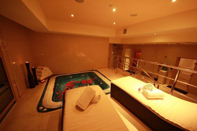 Millennium Doha - Jacuzzi Millennium Hotel Doha <br/>Image from Leonardo