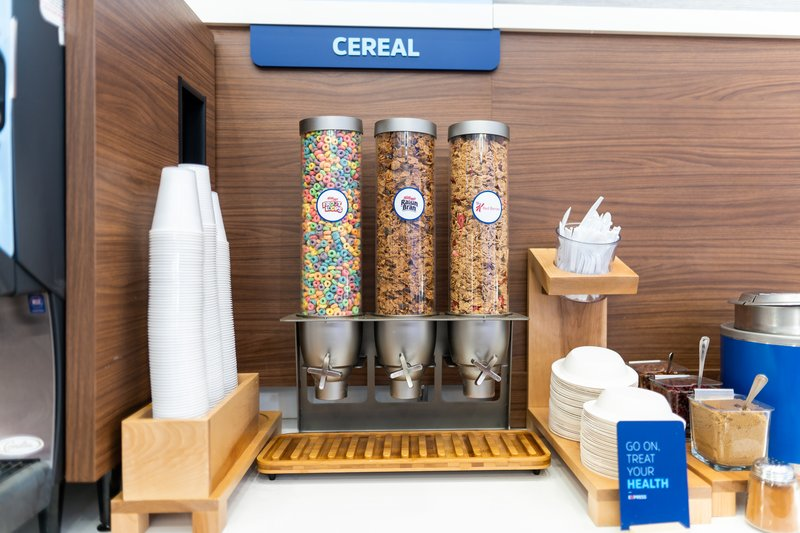 Holiday Inn Express San Clemente North-Breakfast Area<br/>Image from Leonardo