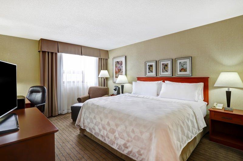 Holiday Inn Burlington - Hotel & Conf Centre-King Executive Room <br/>Image from Leonardo