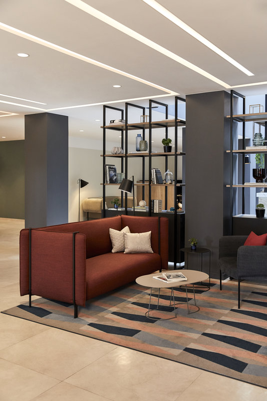 CROWNE PLAZA HAMBURG CITY ALSTER-Lobby<br/>Image from Leonardo