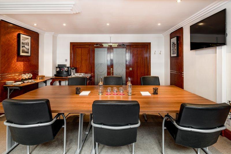 AMBA Hotel Marble Arch-Mayfair Meeting Room<br/>Image from Leonardo