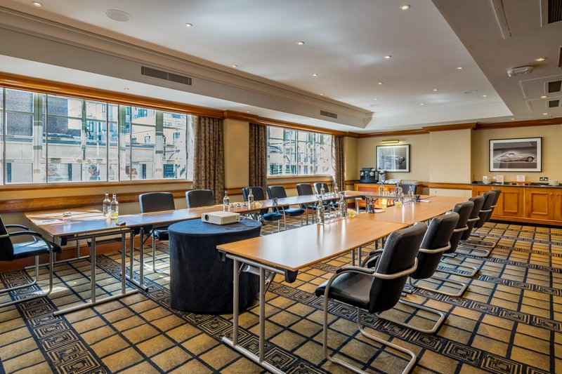 AMBA Hotel Marble Arch-Serpentine Meeting Room<br/>Image from Leonardo