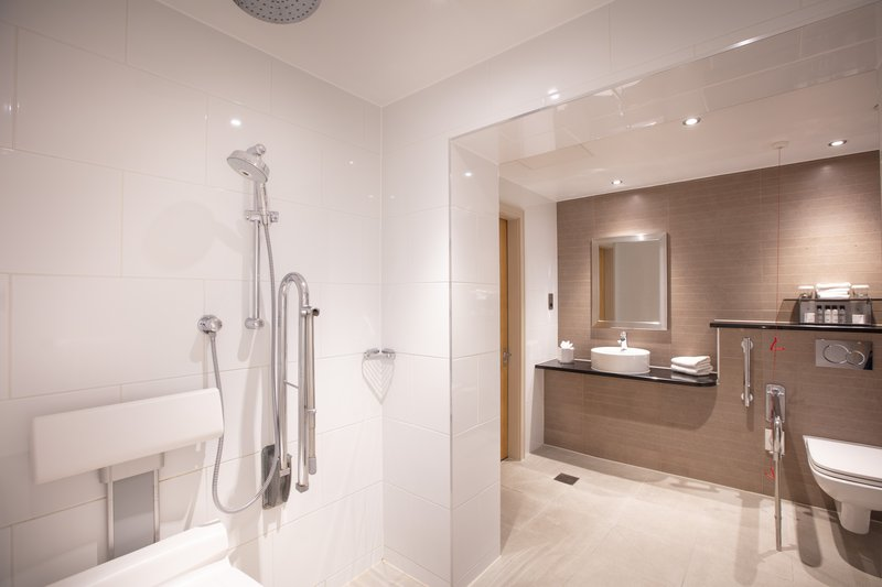 Amba Charing Cross-Accessible Bathroom<br/>Image from Leonardo