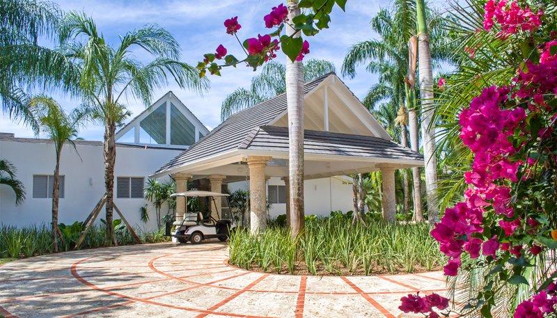 Casa De Campo - 5Bedroom Oceanfront Villa Mar y Palma <br/>Image from Leonardo