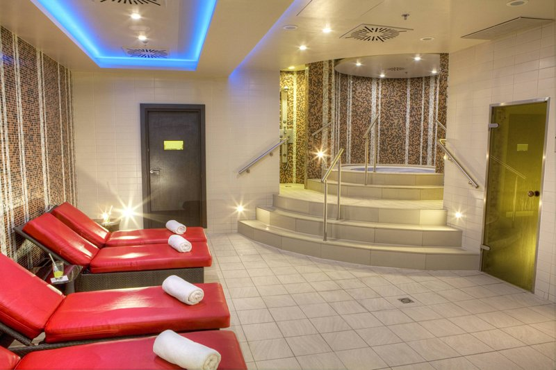 Budapest Marriott Hotel-Fitness & Health Club - Recreation Area<br/>Image from Leonardo