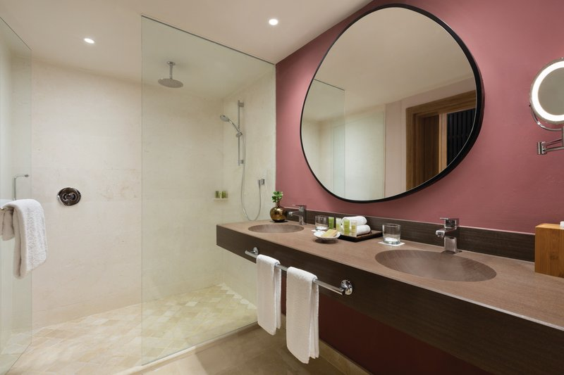 Hilton La Romana, an All Inclusive Adult Rst - Premium King Bathroom <br/>Image from Leonardo