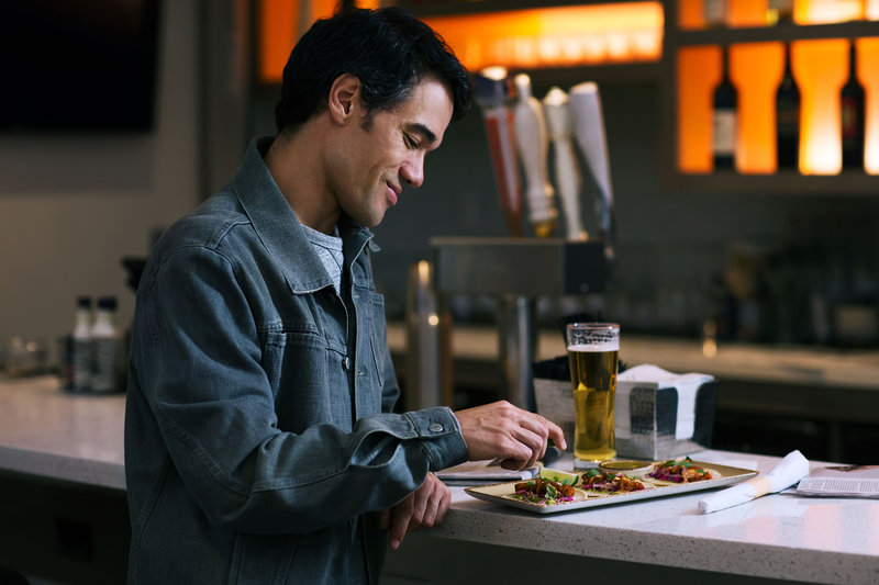 Holiday Inn Express & Suites Ann Arbor-Bar and Lounge<br/>Image from Leonardo