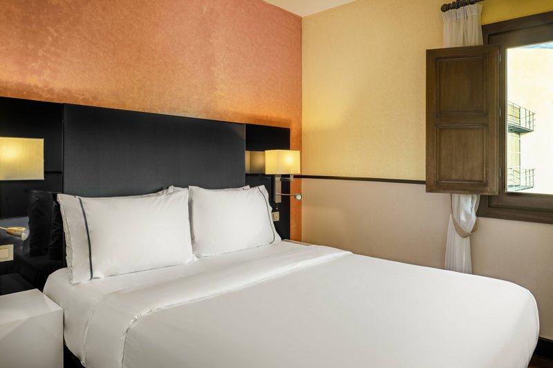 Autograph Collection Hotel Palacio De Santa Paula-Single Guestroom<br/>Image from Leonardo