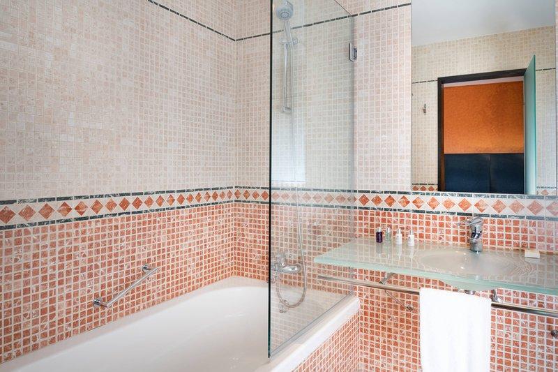Autograph Collection Hotel Palacio De Santa Paula-Single Guest Room - Bathroom<br/>Image from Leonardo