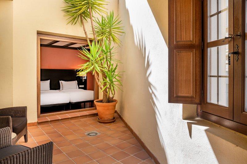 Autograph Collection Hotel Palacio De Santa Paula-Twin/Twin Junior Suite - Terrace<br/>Image from Leonardo