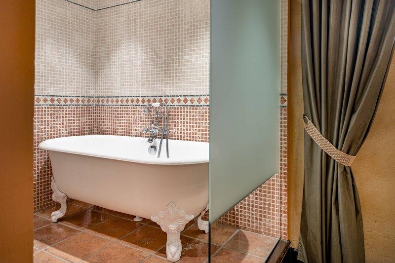 Autograph Collection Hotel Palacio De Santa Paula-Bishops Suite<br/>Image from Leonardo