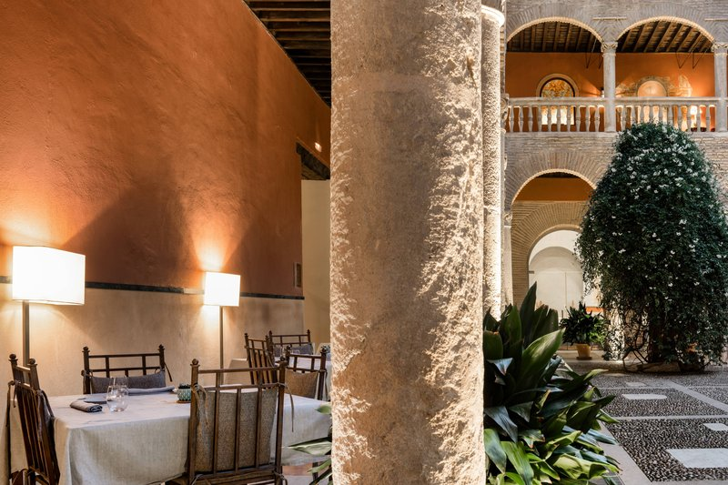 Autograph Collection Hotel Palacio De Santa Paula-Claustro Cloister<br/>Image from Leonardo