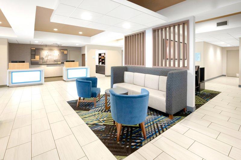 Holiday Inn Express & Suites Marysville-Great Room <br/>Image from Leonardo