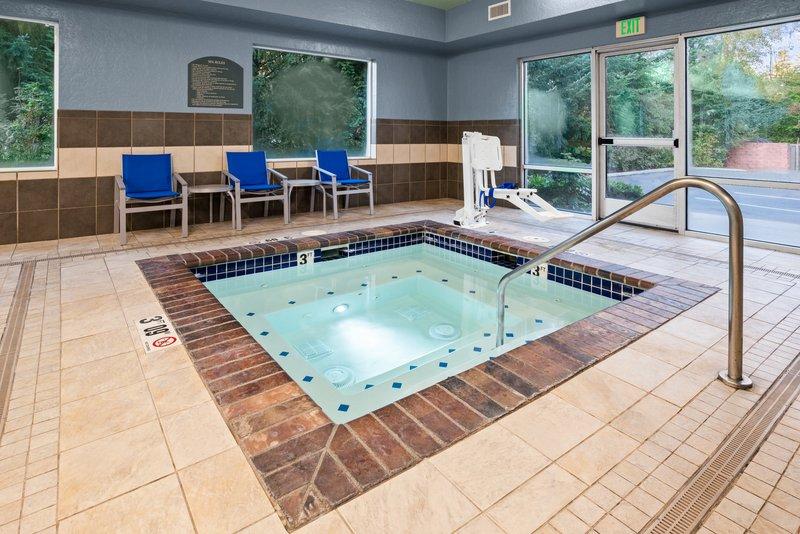 Holiday Inn Express & Suites Marysville-Hot Tub <br/>Image from Leonardo