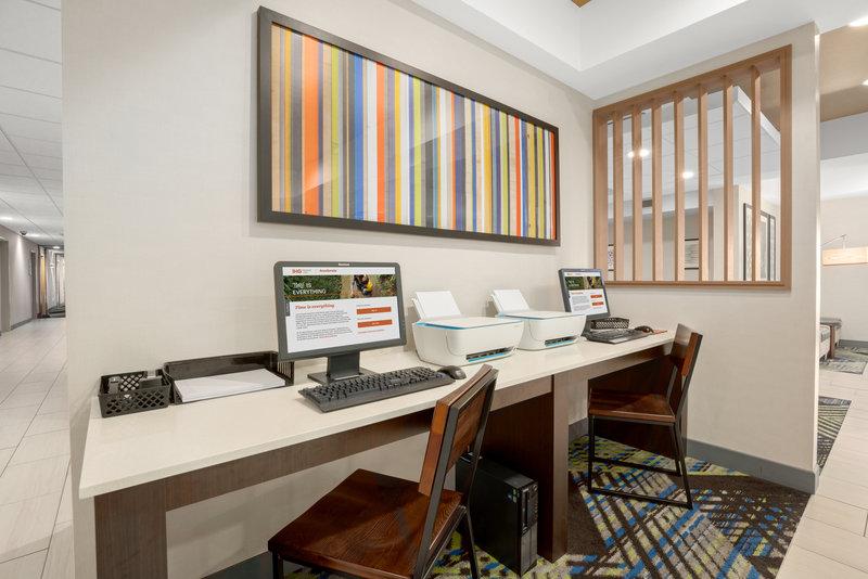 Holiday Inn Express & Suites Marysville-Business Center <br/>Image from Leonardo