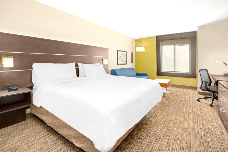 Holiday Inn Express & Suites Marysville-1 King Bed Leisure Nonsmoking <br/>Image from Leonardo