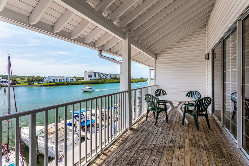 Holiday Inn & Suites Clearwater Beach S Harbour-Search for dolphins on your balcony in a Marina View King Loft. <br/>Image from Leonardo