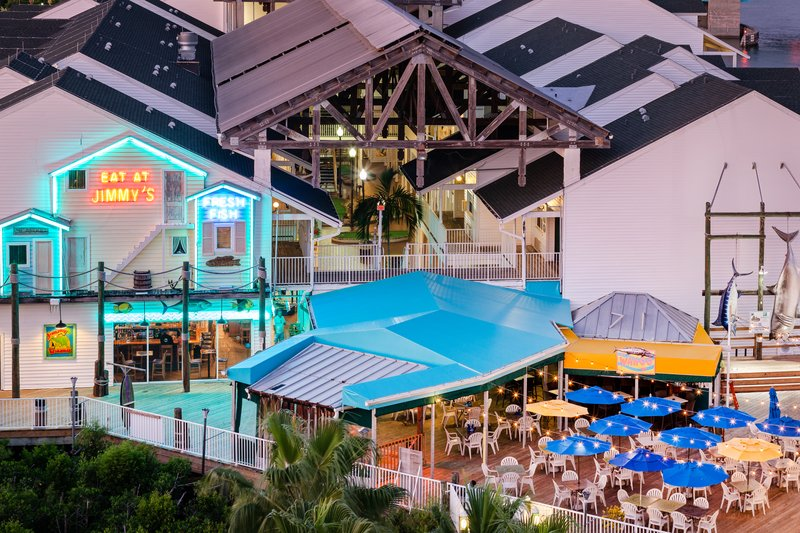 Holiday Inn & Suites Clearwater Beach S Harbour-Nightly live entertainment on the deck at Jimmy Guana's Restaurant<br/>Image from Leonardo