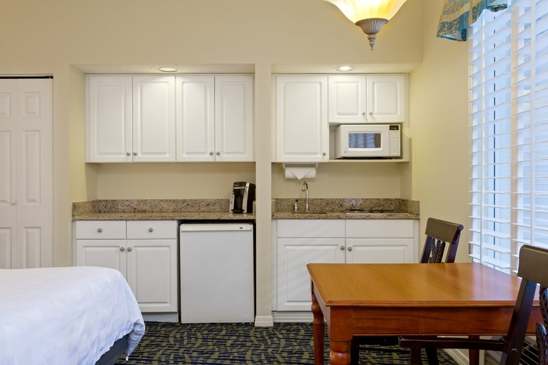 Holiday Inn & Suites Clearwater Beach S Harbour-Studio has a mini-refrigerator, microwave, & dual stove burners. <br/>Image from Leonardo