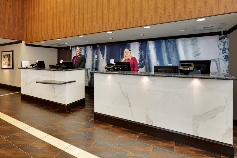Crowne Plaza Dallas Downtown-Front Desk<br/>Image from Leonardo