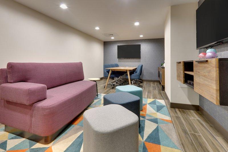 Crowne Plaza Dallas Downtown-Studio Suite<br/>Image from Leonardo