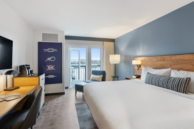 Hotel Indigo Seattle Everett Waterfront-King Bed Balcony Guest Room<br/>Image from Leonardo