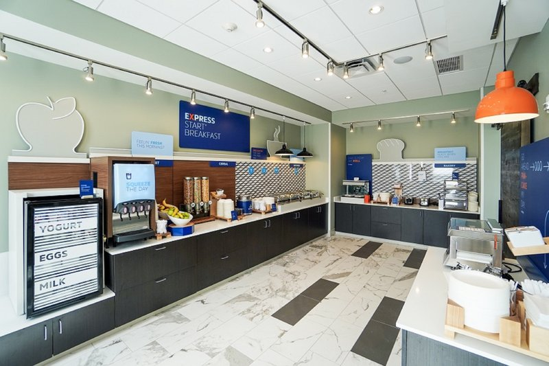 Holiday Inn Express And Suites Nashville Franklin-Breakfast Bar<br/>Image from Leonardo