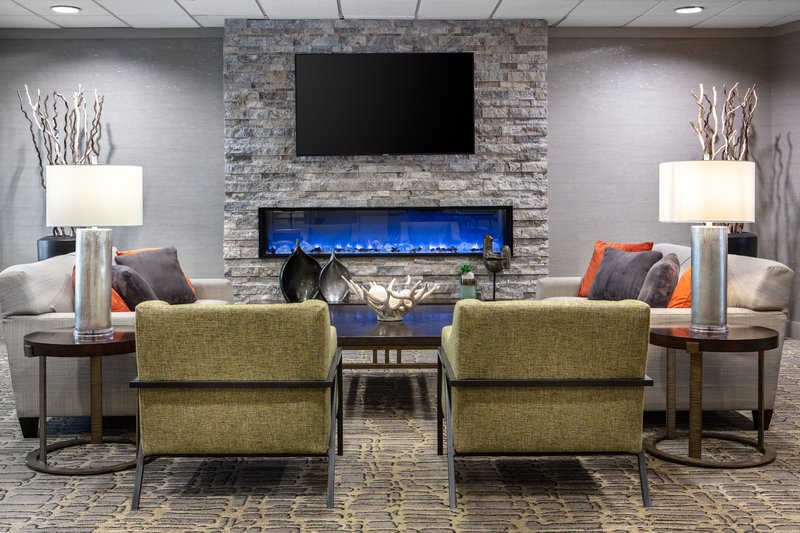 Holiday Inn Hotel & Suites Des Moines-Northwest-Lobby Lounge<br/>Image from Leonardo