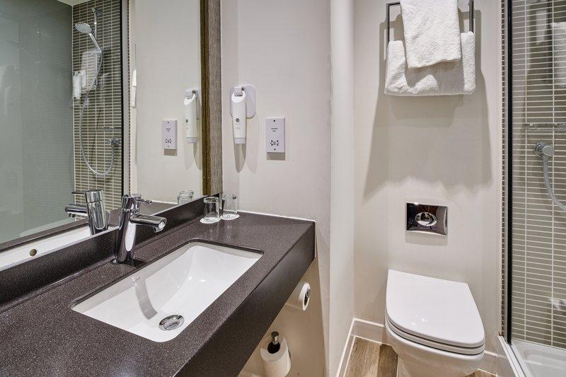 Holiday Inn Leeds - Garforth-Guest Bathroom<br/>Image from Leonardo