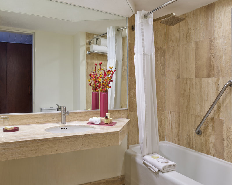 Fiesta Americana Reforma-bathroom<br/>Image from Leonardo