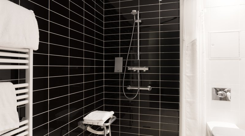 Mercure Amiens Cathedrale Hotel-Guest Bathroom<br/>Image from Leonardo