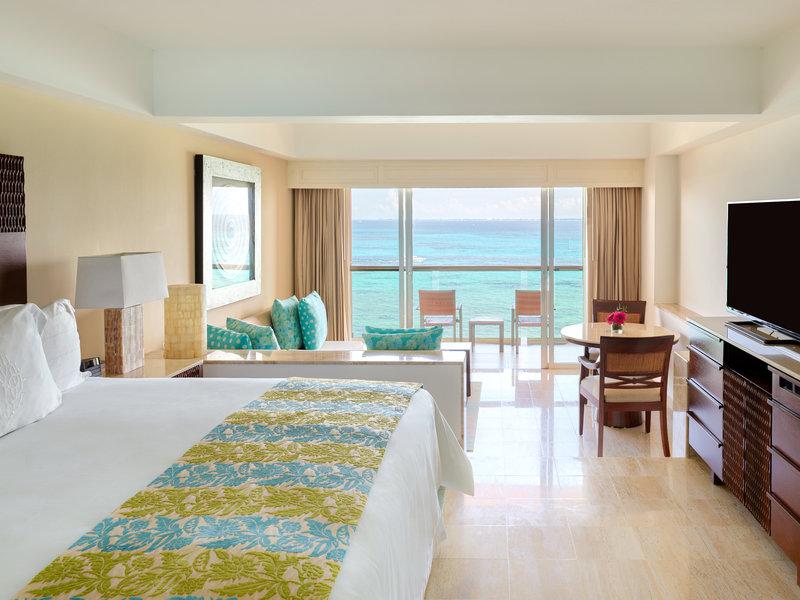 Grand Fiesta Americana Coral Beach Cancun - Jr. Suite King OceanFront <br/>Image from Leonardo