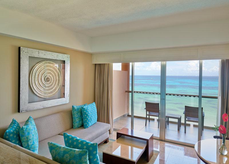 Grand Fiesta Americana Coral Beach Cancun - Jr. Suite King OceanFront2 <br/>Image from Leonardo