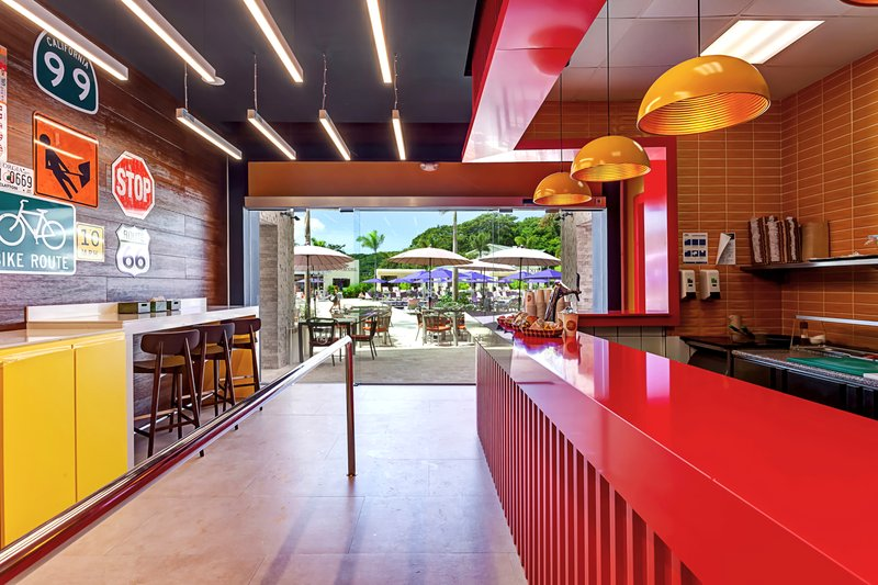 Planet Hollywood Beach Resort Costa Rica - Guy's! Burger Joint <br/>Image from Leonardo