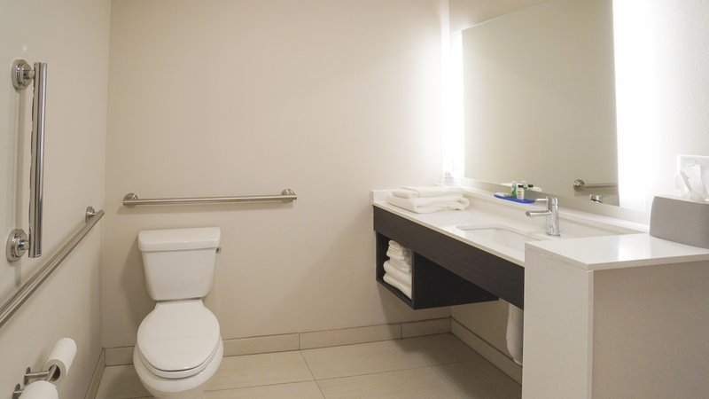 Holiday Inn Express And Suites Nashville Franklin-Guest Room Bathroom<br/>Image from Leonardo