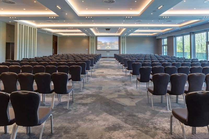 Crowne Plaza Marlow-Exceptional Winterlake Suite<br/>Image from Leonardo