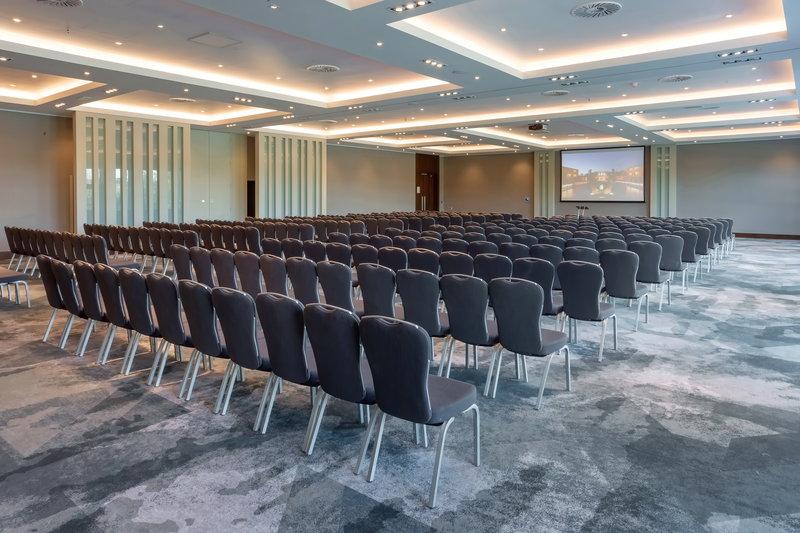 Crowne Plaza Marlow-Brand New Winterlake Suite<br/>Image from Leonardo