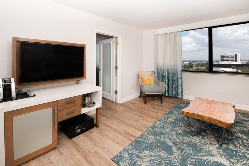 Renaissance Newport Beach Hotel-Accessible Executive Suite - Living Room<br/>Image from Leonardo