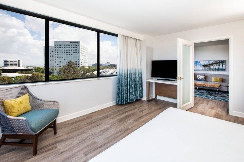 Renaissance Newport Beach Hotel-Accessible Executive Suite - Bedroom<br/>Image from Leonardo