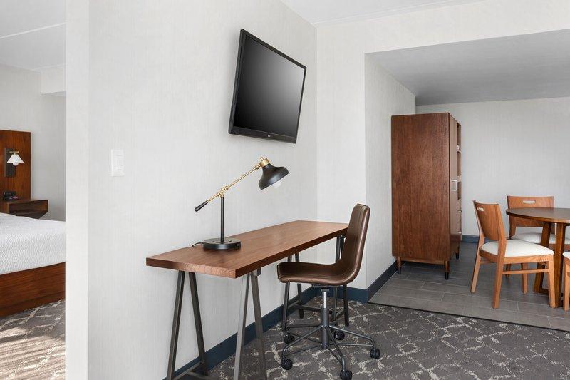 Four Points Philadelphia Northeast-King Suite - Living Room<br/>Image from Leonardo