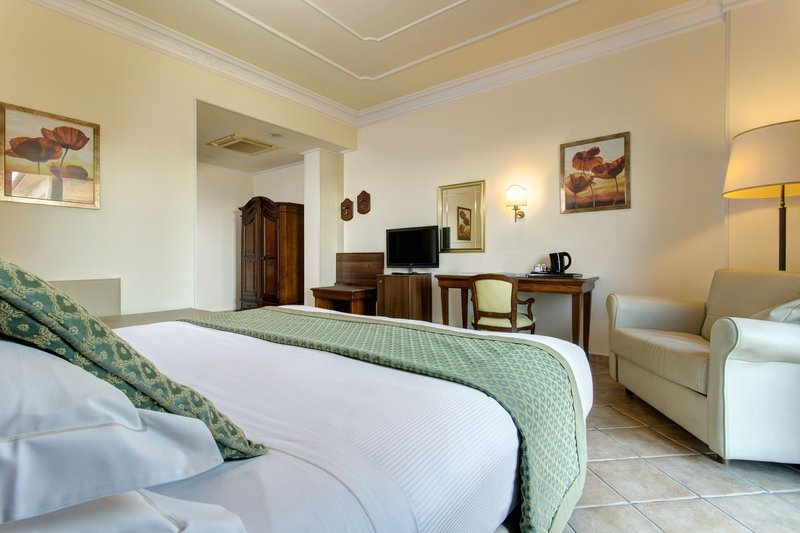 Athena Hotel-Executive Double Room<br/>Image from Leonardo