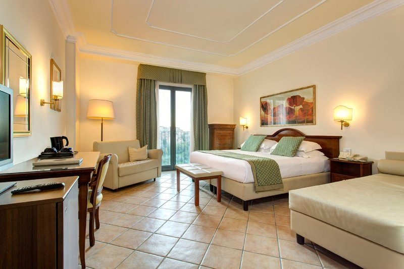 Athena Hotel-Quadruple Room<br/>Image from Leonardo