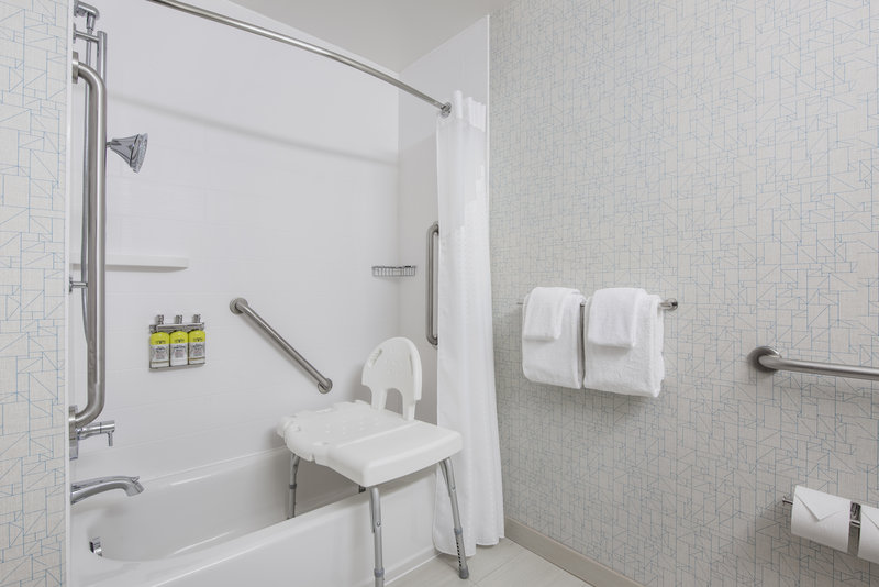 Holiday Inn Express Saskatoon Centre-Wheelchair Accessible<br/>Image from Leonardo