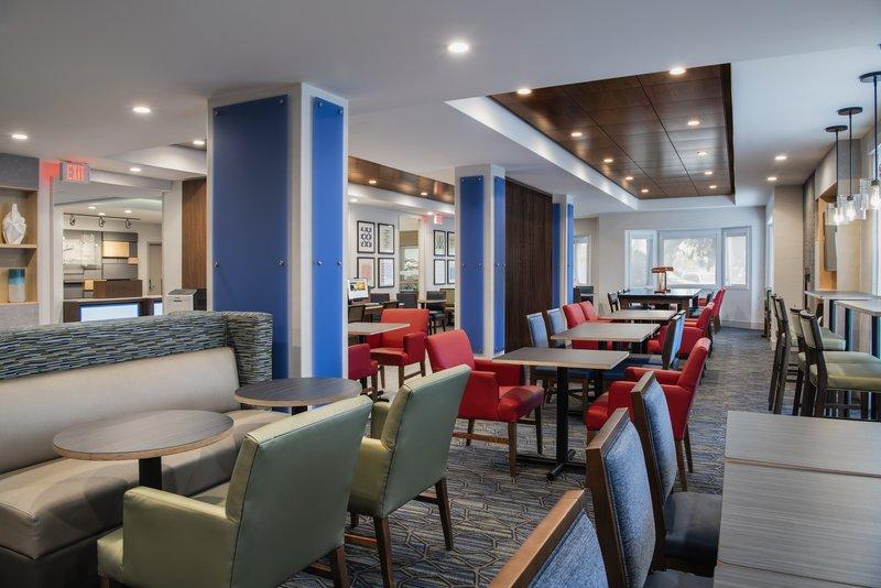 Holiday Inn Express Saskatoon Centre-Breakfast Area<br/>Image from Leonardo