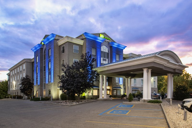 Holiday Inn Express Saskatoon Centre-Hotel Exterior<br/>Image from Leonardo