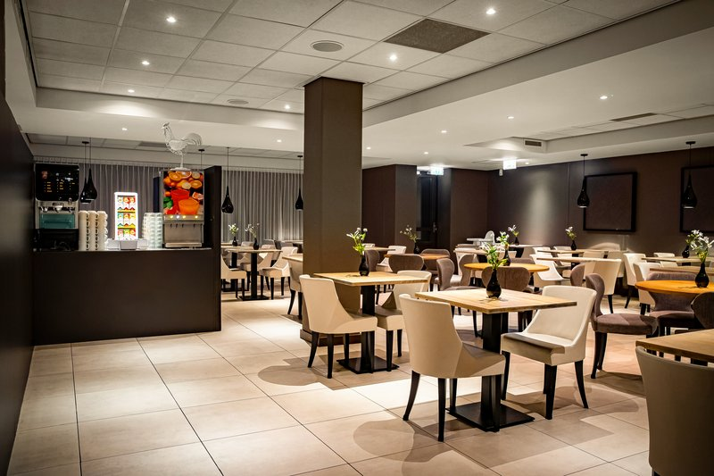 Holiday Inn Express The Hague - Parliament-Breakfast Area<br/>Image from Leonardo