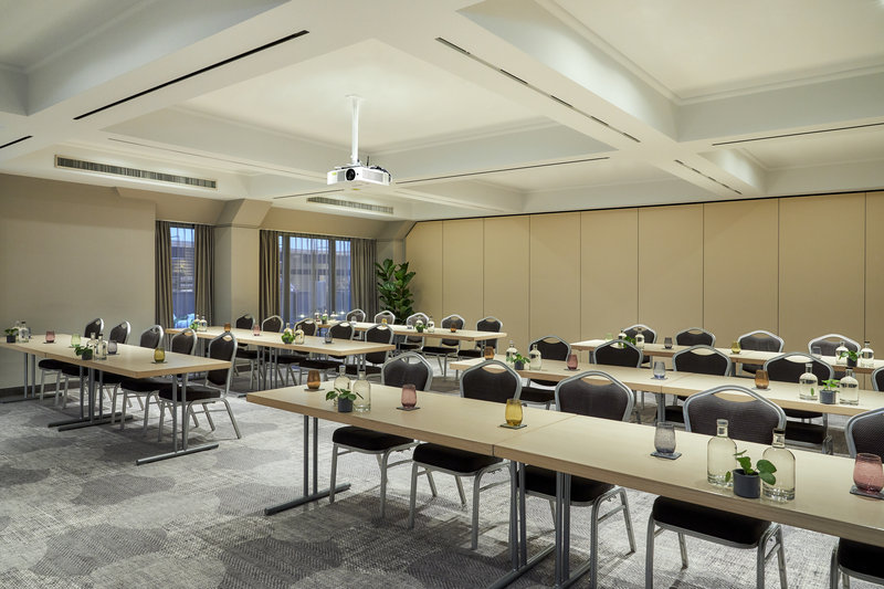 CROWNE PLAZA HAMBURG CITY ALSTER-Conference 6<br/>Image from Leonardo