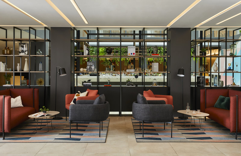 Crowne Plaza Hamburg - City Alster-Lobby Lounge<br/>Image from Leonardo